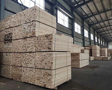 防腐铁杉方木 5.7铁杉方木批发 4 9铁杉方木优点 名和沪中木业